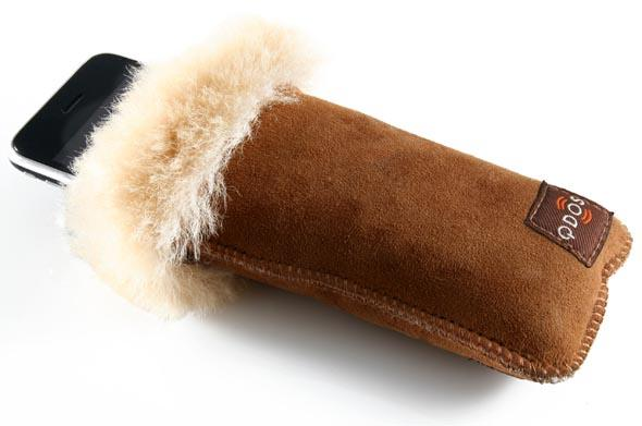 Ugg with iPhone 2