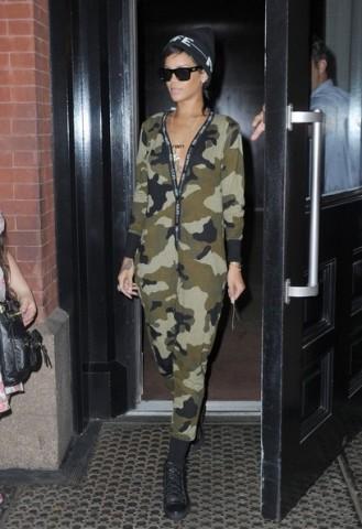 Rihanna+Departing+Flight+JFK+9ad5GtVhjprl