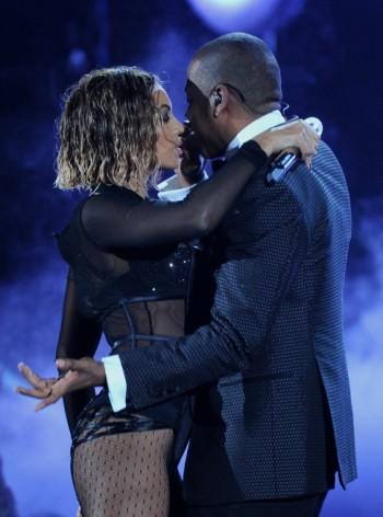 Beyonce-torride-sur-la-scene-des-Grammy-Awards-2014_portrait_w858