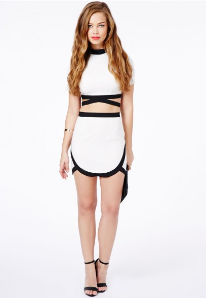Dedisa Contrast Curve Hem Skirt