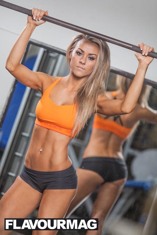 Chelsea Dyson fitness model 7