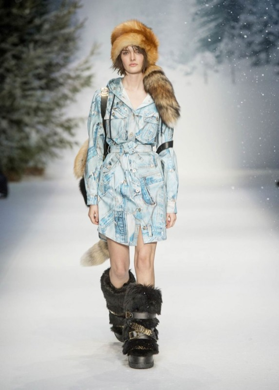 moschino-fall-winter-2015-womens-looks-mens03