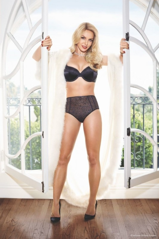 britney-spears-lingerie-swimsuit-intimate-collection03