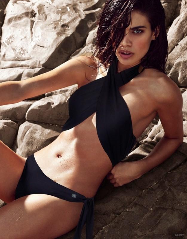 sara-sampaio-lipsy-swimwear-2015-photos01