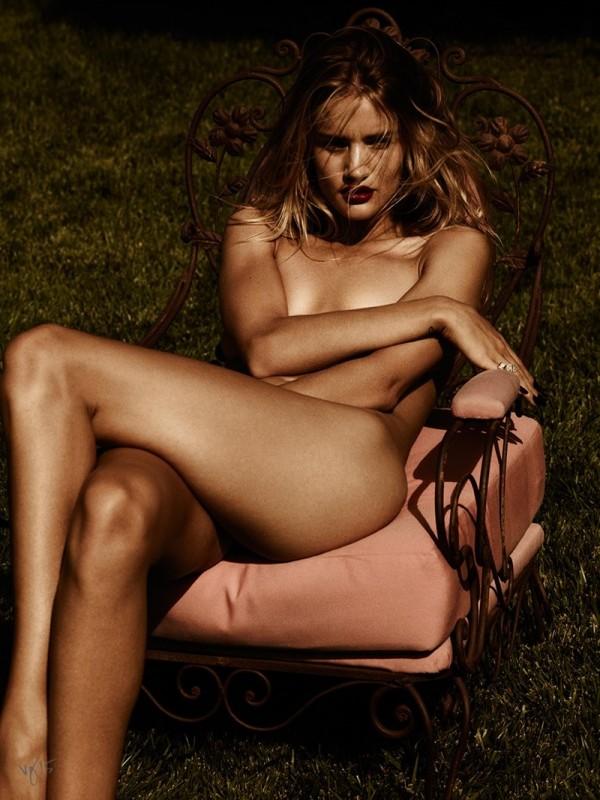 rosie-huntington-whiteley-naked-violet-grey05