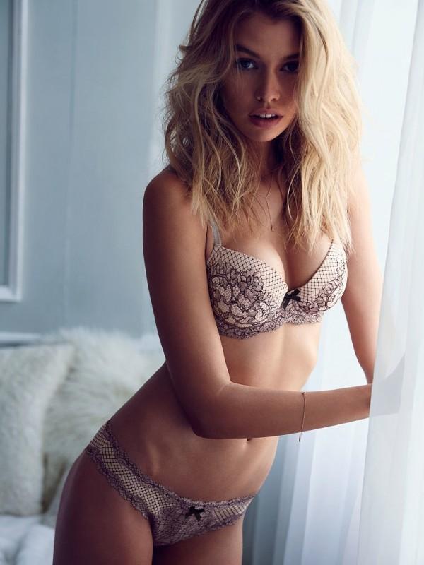 Stella-Maxwell-Victorias-Secret-Model01-800x1444