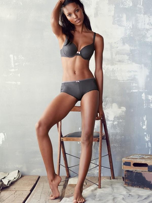 Jasmine-Tookes-Victorias-Secret04-800x1444