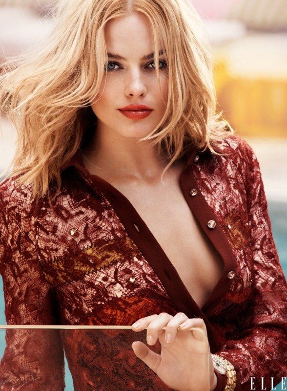Margot-Robbie-ELLE-August-2015-Cover-Shoot04-800x1444