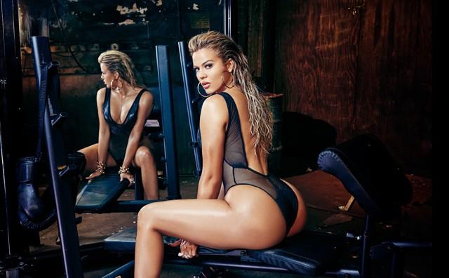 khloe kardashian complex magazine 7