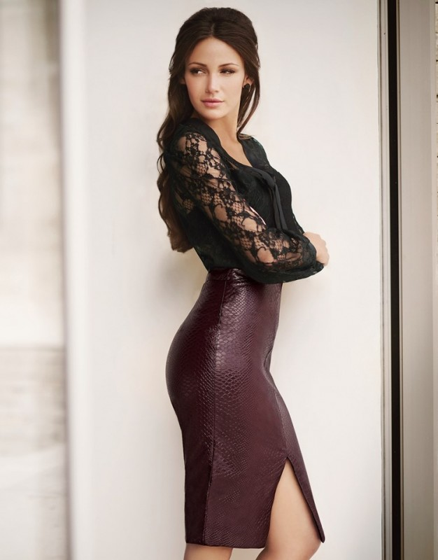 Lipsy Love Michelle Keegan high waisted pu pencil skirt in oxblood. Featuring front spilt and back zip fastening.