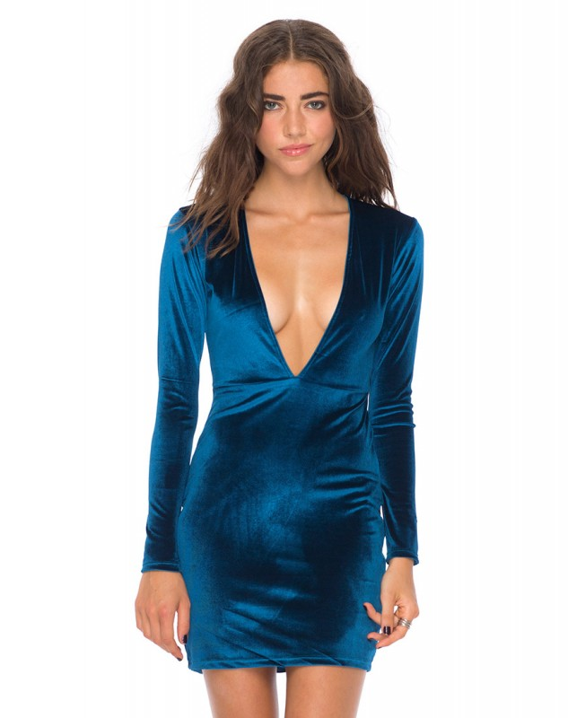 Get heads turning in this motel rocks Meli dress