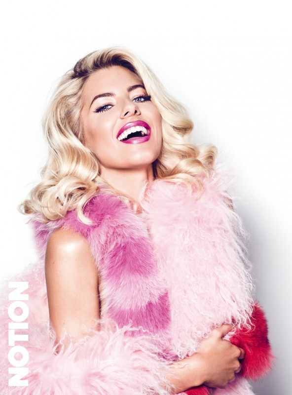 mollie king hot 1