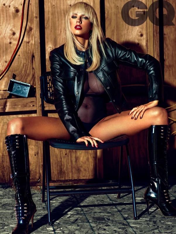 Charlotte-McKinney-Hot-GQ-UK-December-2015-02