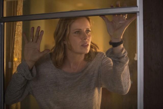Kim Dickens as Madison - Fear The Walking Dead _ Season 1, Episode 4 - Photo Credit: Justina Mintz/AMC