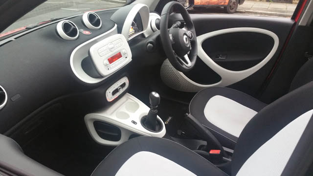 my first car the smart forfour review flavourmag. Black Bedroom Furniture Sets. Home Design Ideas