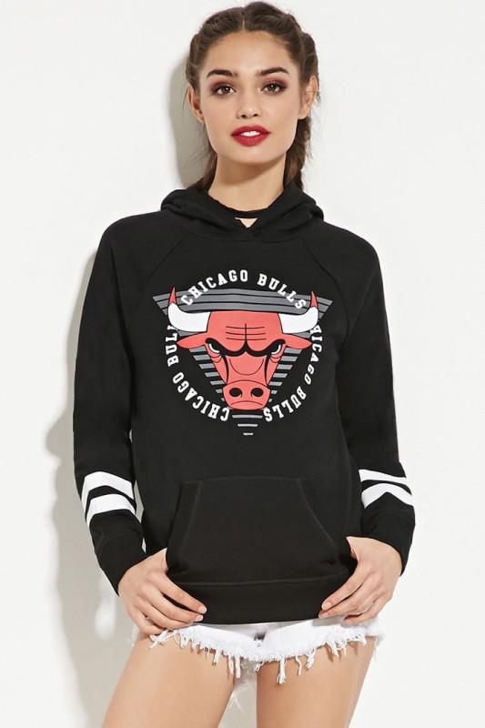 Forever 21 X NBA Chicago Bulls Sweatshirt