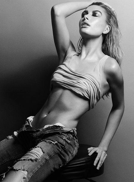 Sexiest Bikini Babe: Hailey Baldwin