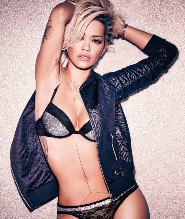 Rita Ora strips down to her bikini for Tezenis swimwear ...