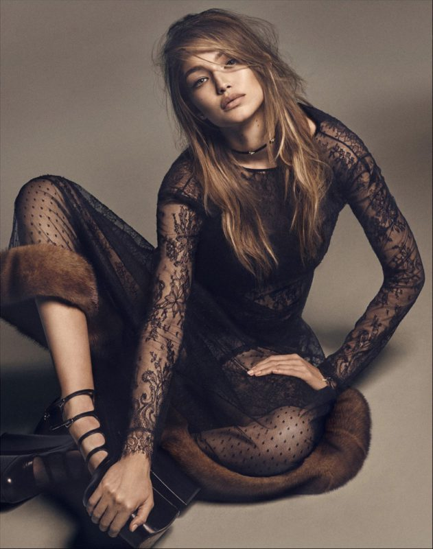 wearing-a-lace-gown-with-fur-trim-gigi-hadid-serves-pure-sex-appeal