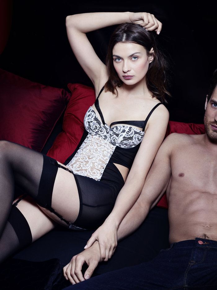 fifty-shades-darker-escala-lingerie