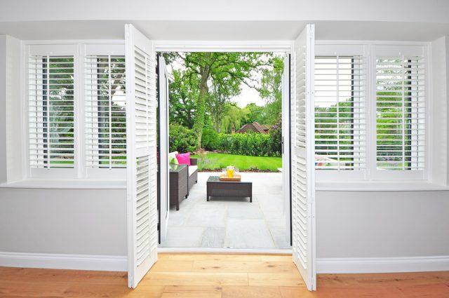 shutters-1680798_960_720