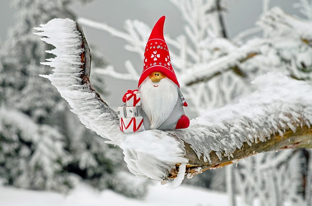 christmas santa in a tree
