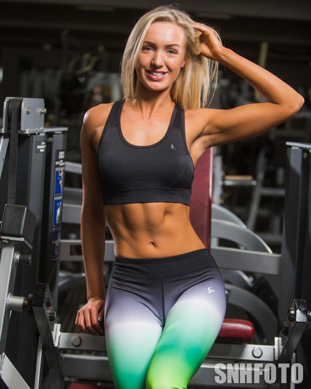Millie George fitness model photos 04