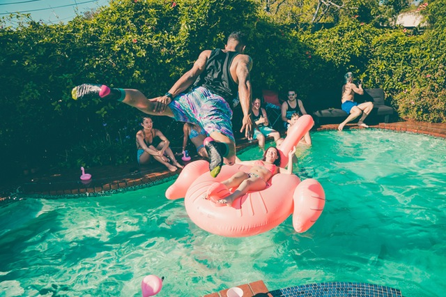 How to throw an amazing house party