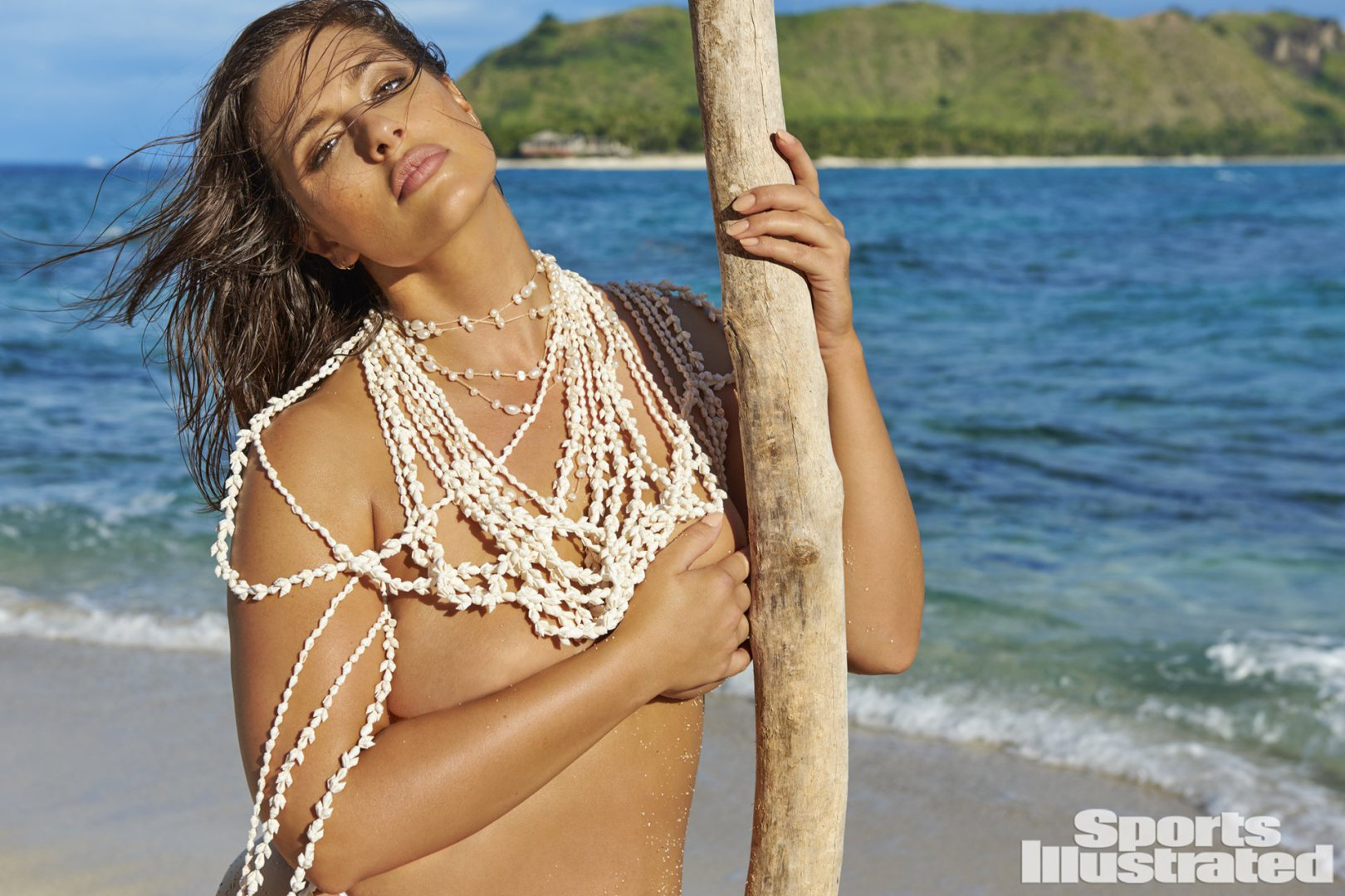 The Plus Size Models Of Sports Illustrated Swimsuit 2017