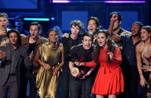 Cast of 13 Reasons Why MTV awards 2017