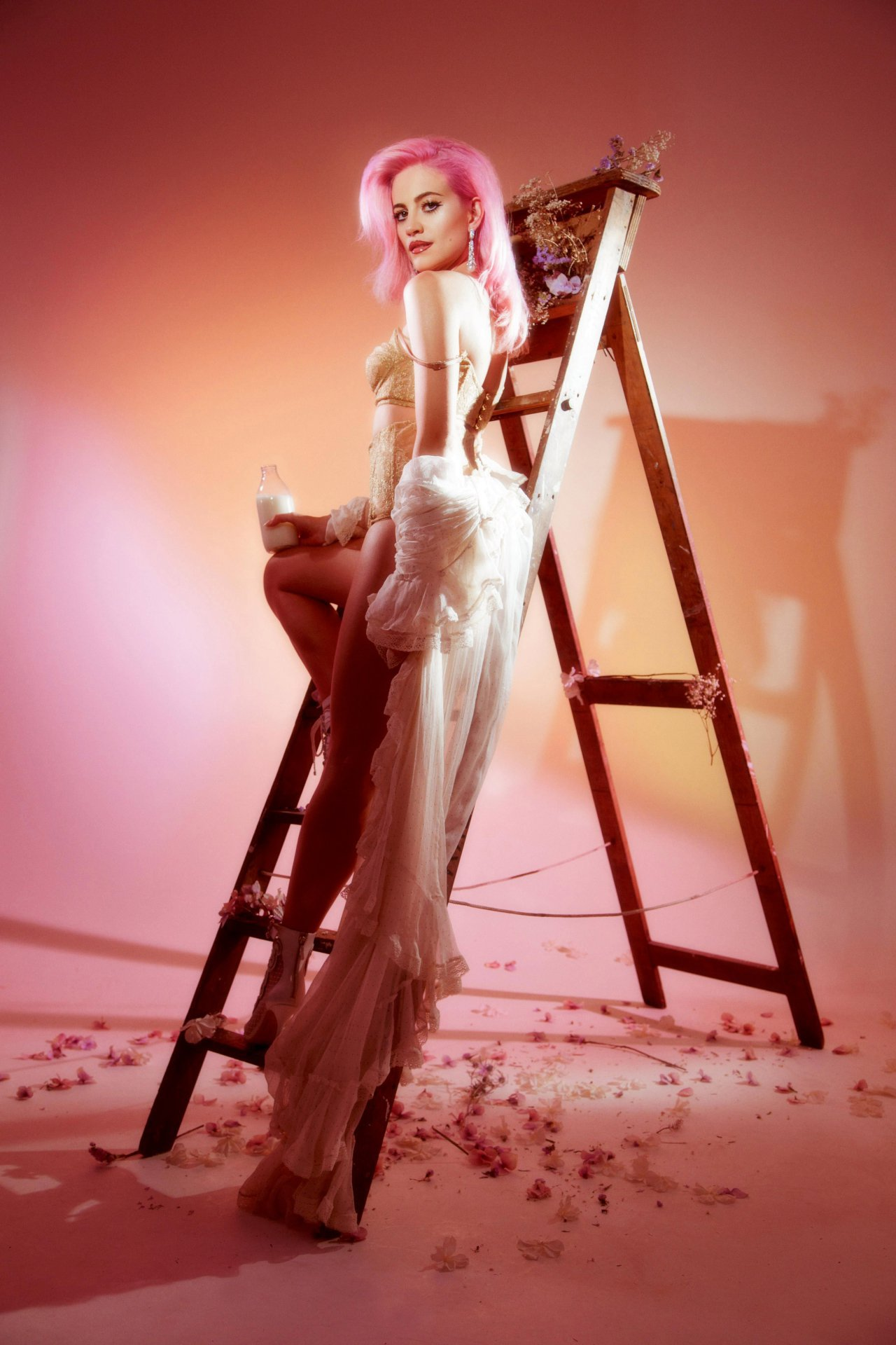 Pixie Lott sexiest photo shoot ever - wonderland