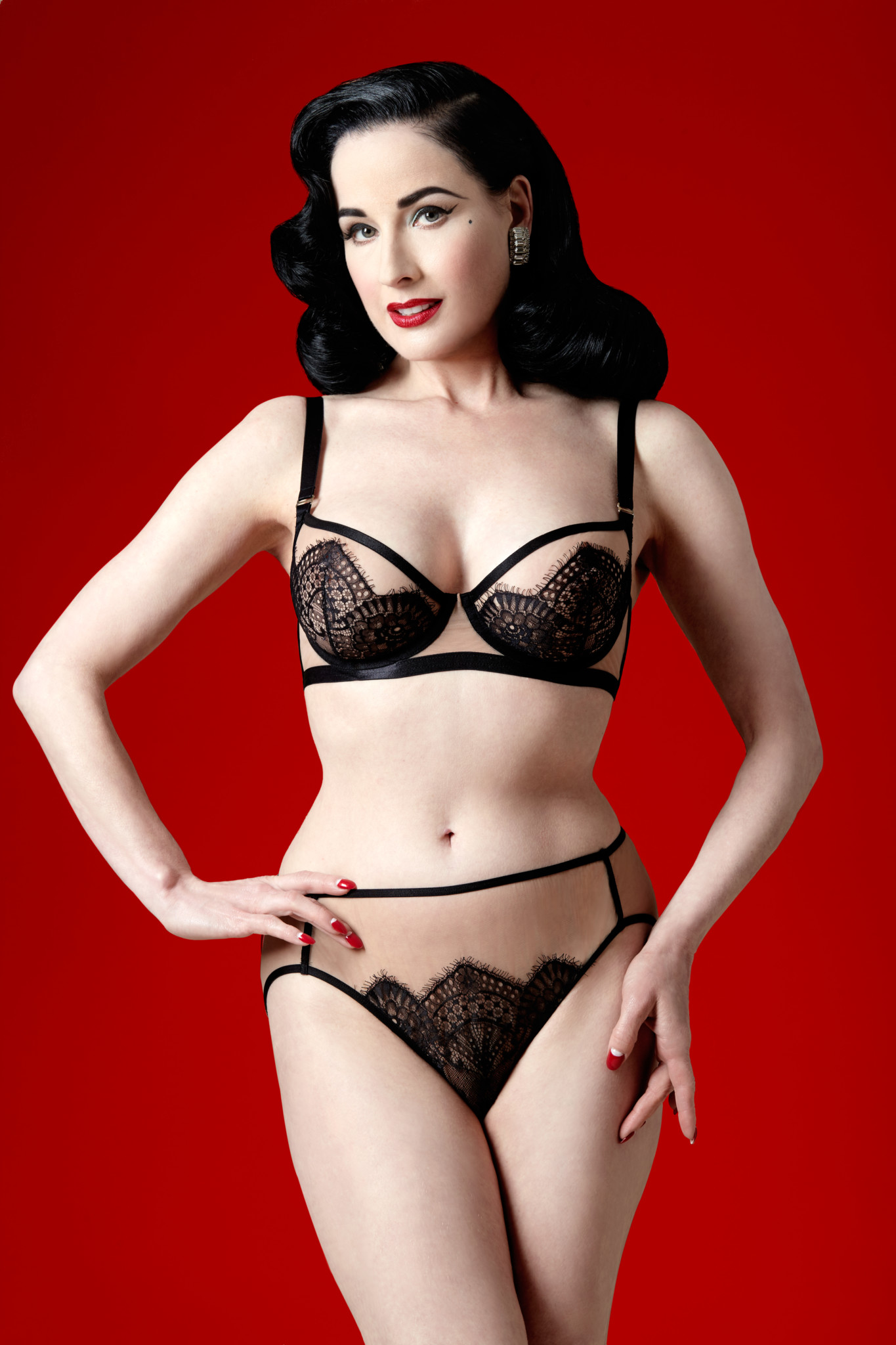 Dita Von Teese lingerie ss18