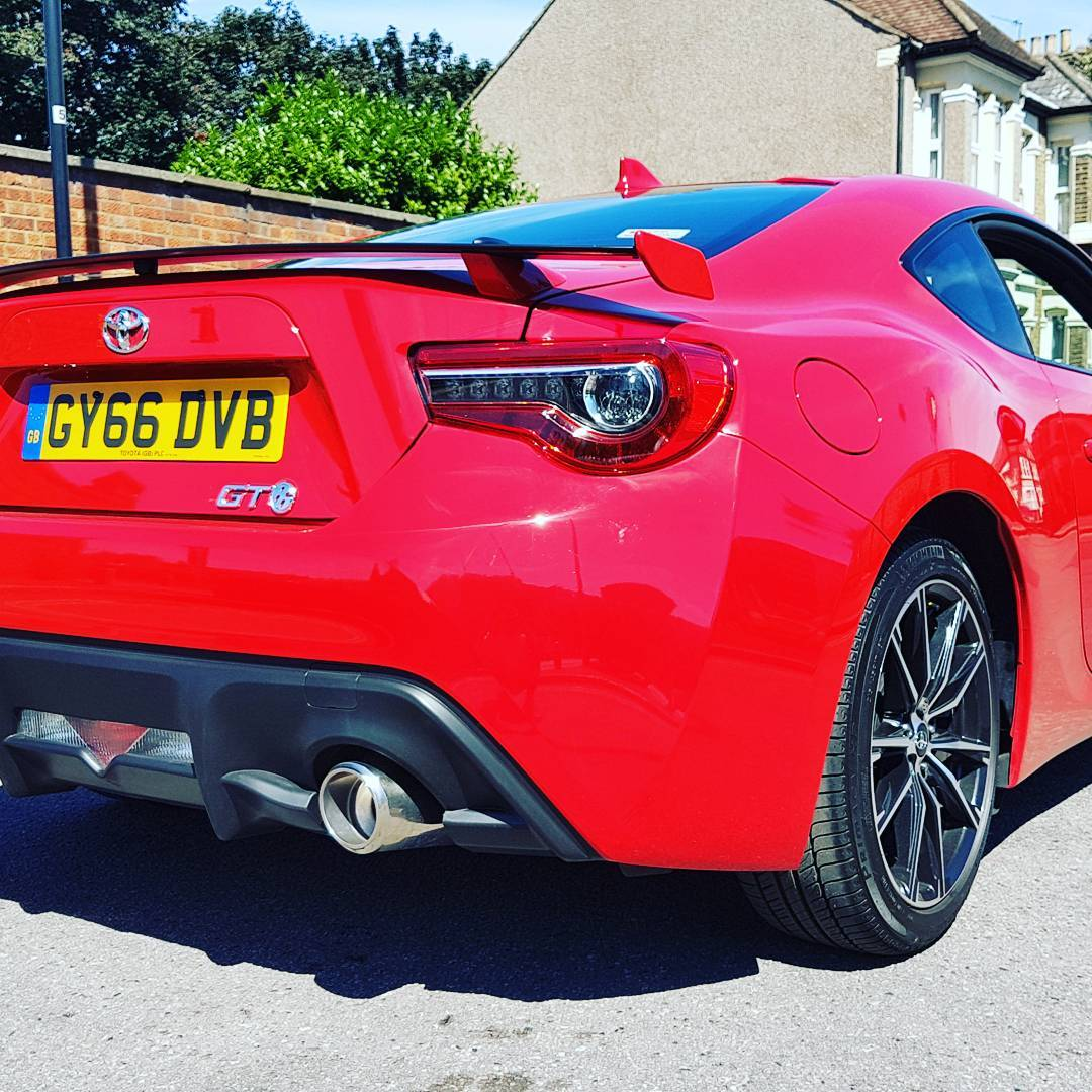 Toyota GT86 review by Leonard W Foster