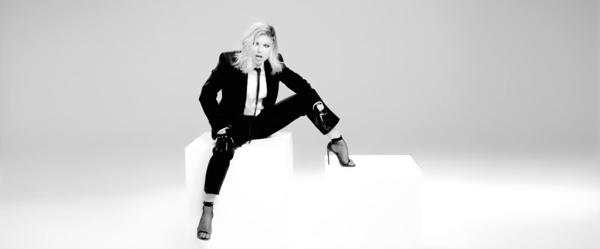 Fergie - you already know sexy photos