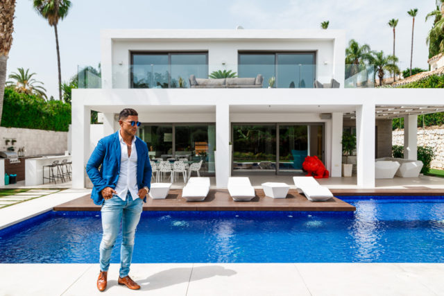 Maximillian White - Owner of Blanco Beach Portugal talks to Flavourmag