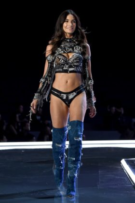 Angel Lily Aldridge walks the 2017 Victoria's Secret Fashion Show