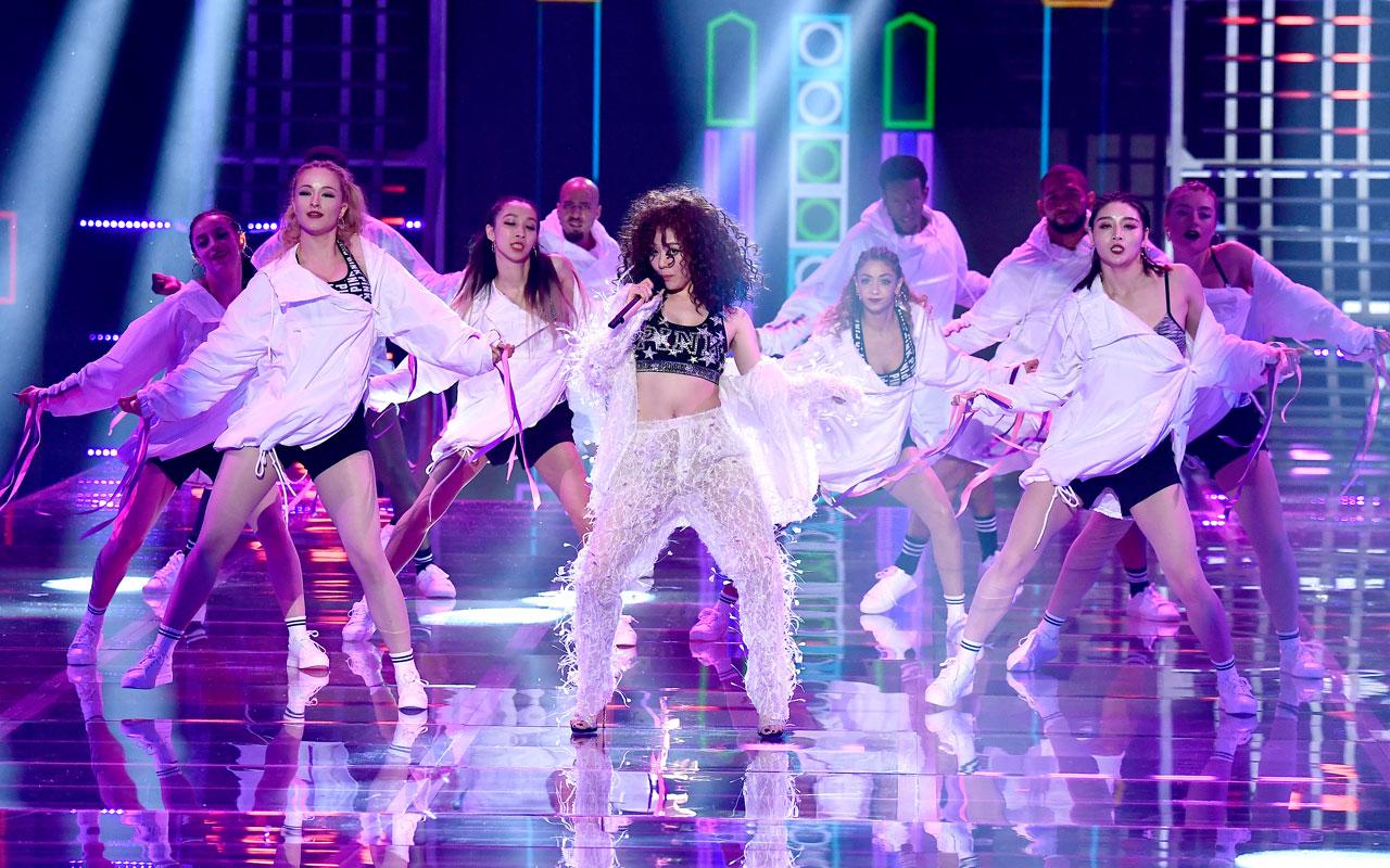 Fashion Show Musical Guest – Jane Zhang