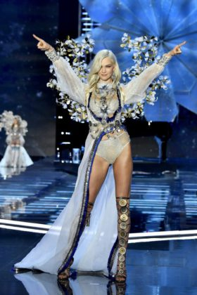 Model Karlie Kloss walks the 2017 Victoria's Secret Fashion Show