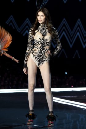 Sui He walks the 2017 Victoria's Secret Fashion Show