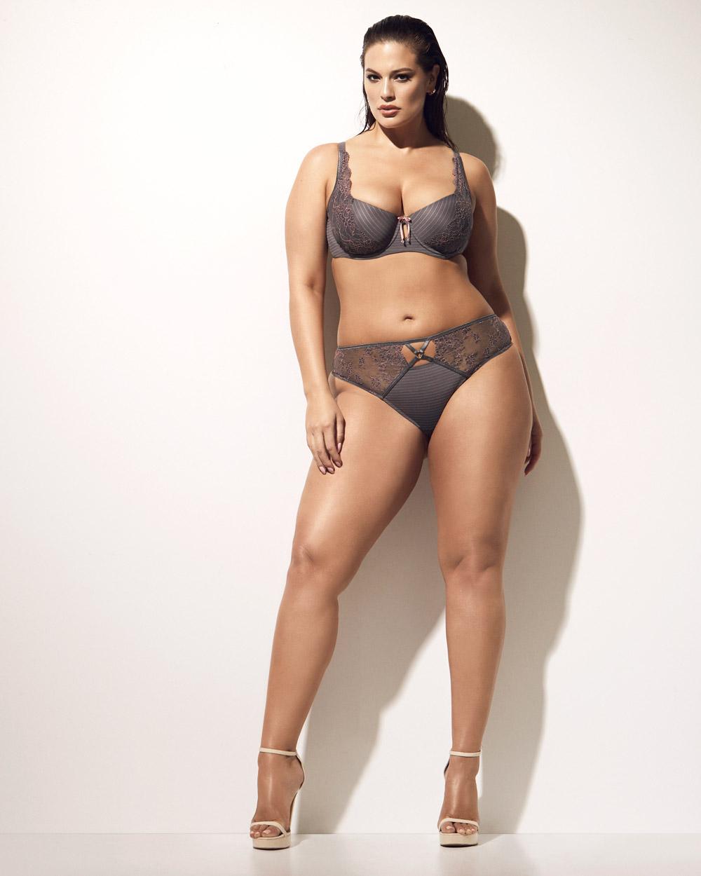 Ashley Graham Diva bra with matching panty