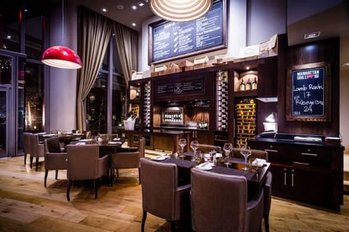 Inside the Manhattan Grill