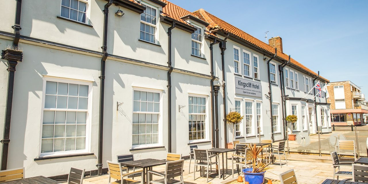 Essex: seaside break with cream tea & prosecco