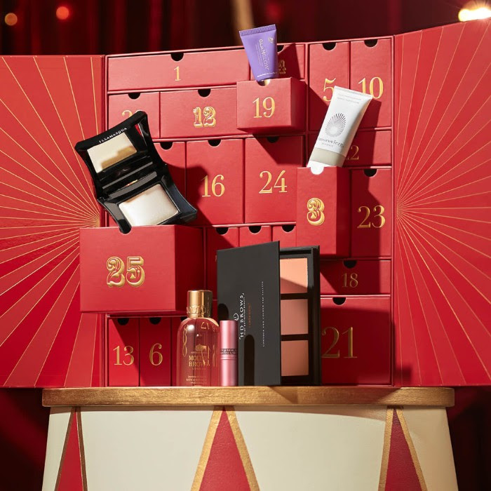 The lookfantastic Advent Calendar is back and now with 15 percent off