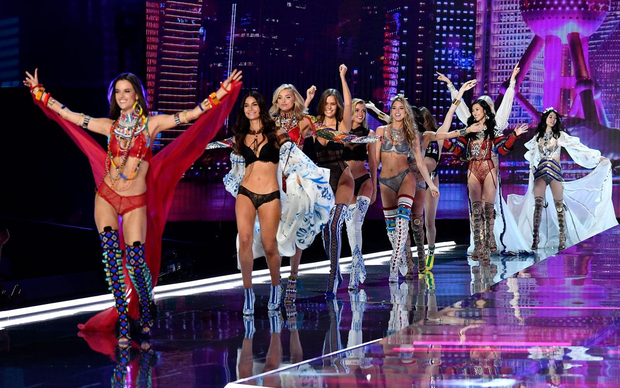 VS fashion show runway 2017 finale victorias secret