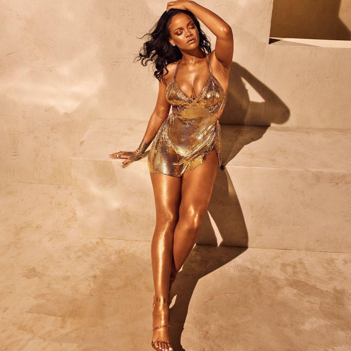 Rihanna Hot Gold Sparkle Dress - 4