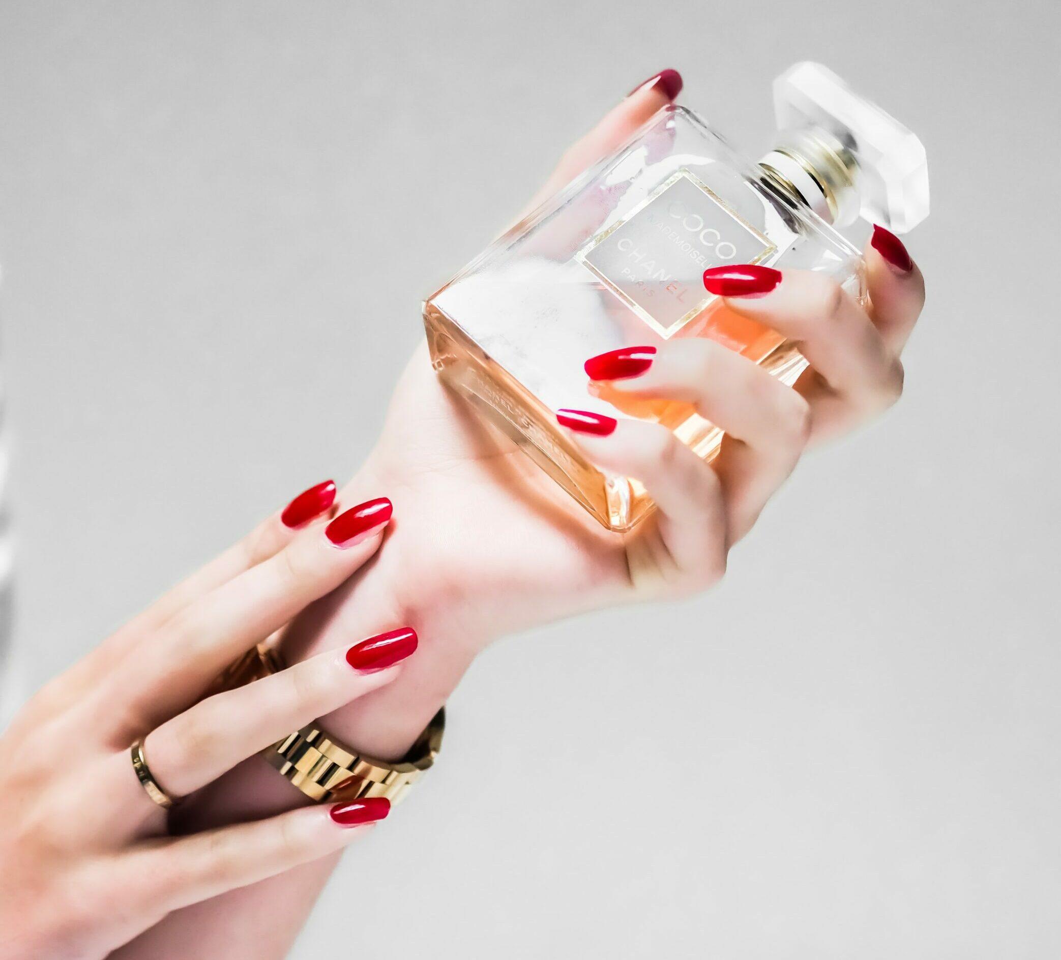perfume - Last-Minute Christmas gift ideas for women